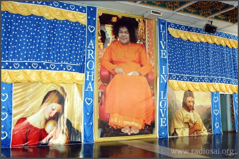 20-christmas-celebration-2012-at-puttaparthi-sai-baba-ashram-radiosai-18
